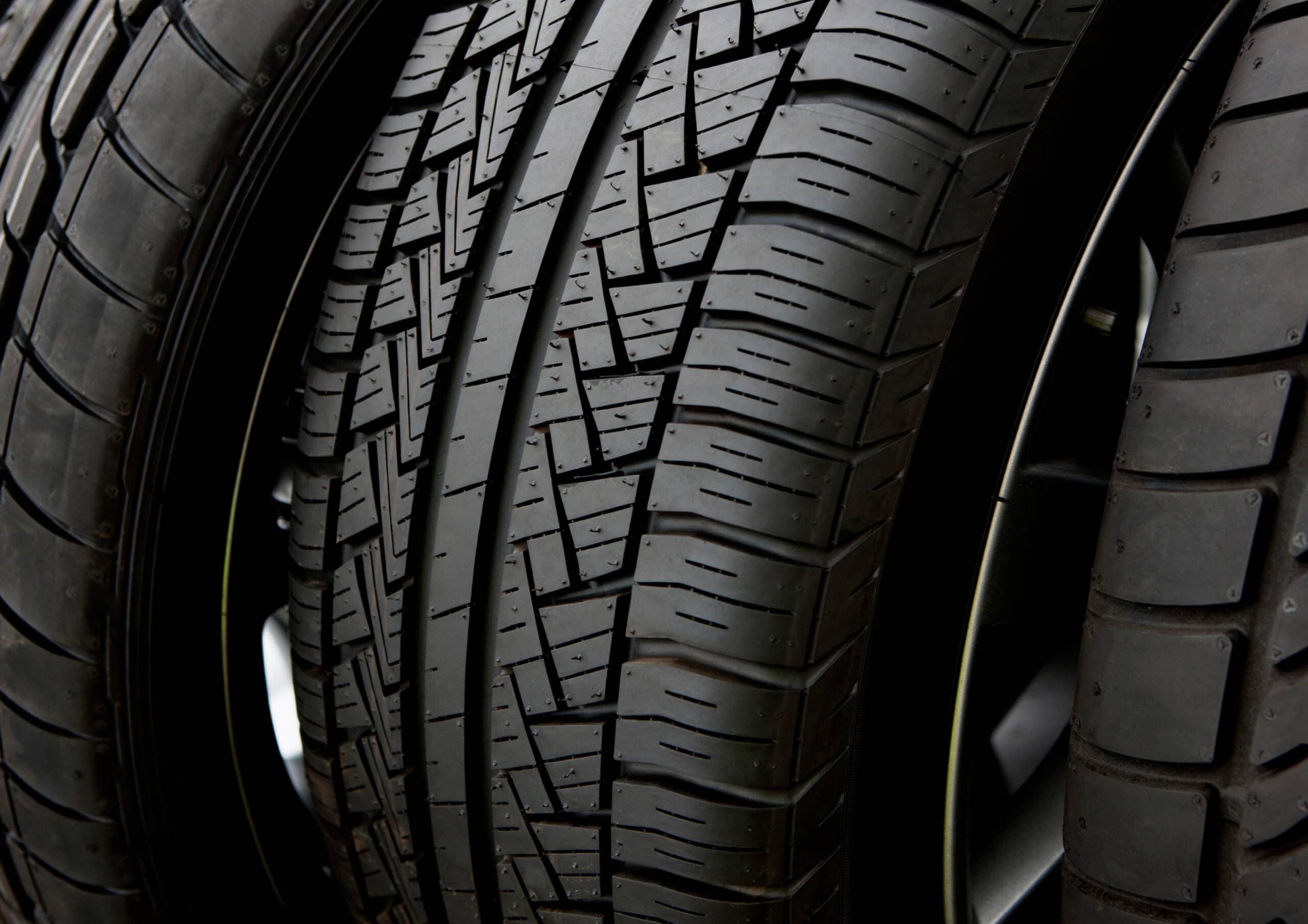 Read more about the article How To Check Your Tyre Tread